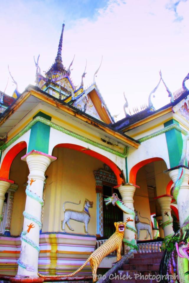 Wat-Uttamaram-11